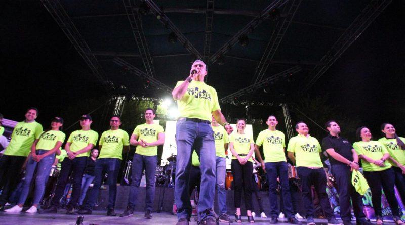 Apoya César Garza a jóvenes en educación, deporte y empleo