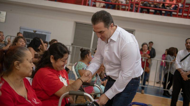 """Continúa Monterrey con entrega de la """"Tarjeta Regia"""""""