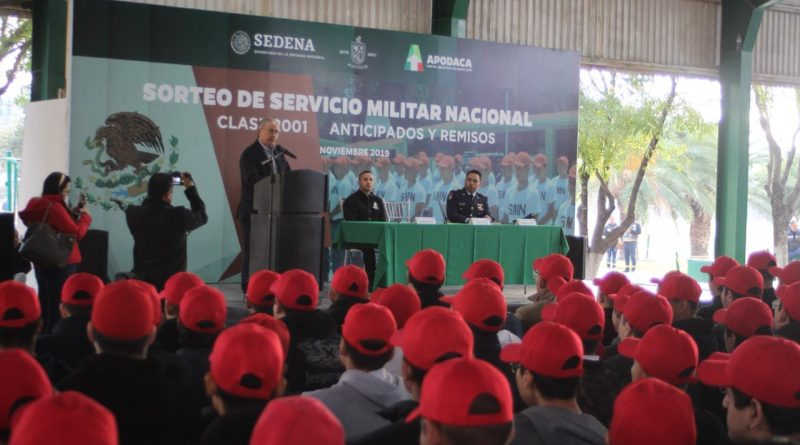Jóvenes apodaquenses participan en sorteo del Servicio Militar