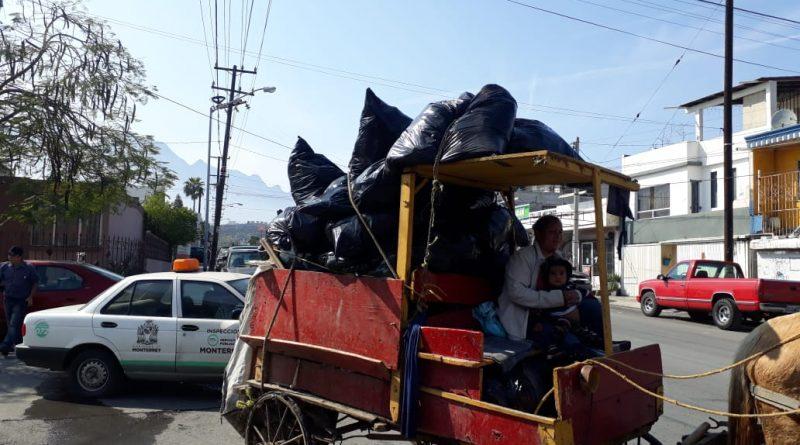 Retira Monterrey carretoneros en la zona Norte