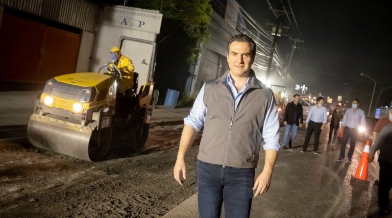Supervisa Alcalde de Monterrey bacheo en la Avenida Chapultepec