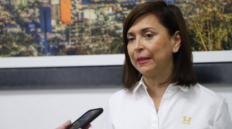 Inicia Cristina Díaz asesorías en línea para ingresar a la UANL